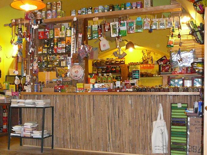 8ae9b0920 Biely čaj ○ Zelený čaj ○ Modrý čaj ○ Zelenomodrý čaj ○ Červený čaj ○ Čierny  čaj ○ Oolong (polozelený čaj) ○ Lapacho ○ Asám ○ Darjeeling